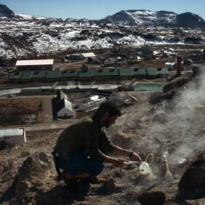 Muestreo de gases fumarólicos en Copahue (Neuquén)
