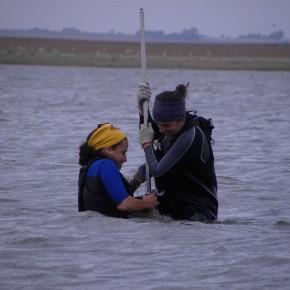 Extracción de testigo sedimentario de la Laguna Barrancosa, Provincia de Buenos Aires.