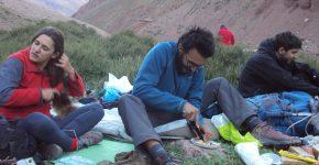 Campamento en las nacientes del Potrero Escondido (Alta Cordillera de Mendoza).