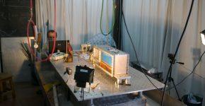 Experimento en el LaMoGe usando láminas de parafina y caja de presión.