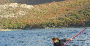 Muestreo de sedimento superficial en Laguna Capri, Parque Nacional Los Glaciares, Provincia de Santa Cruz.